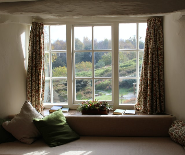 thick curtains to stay warm in winter