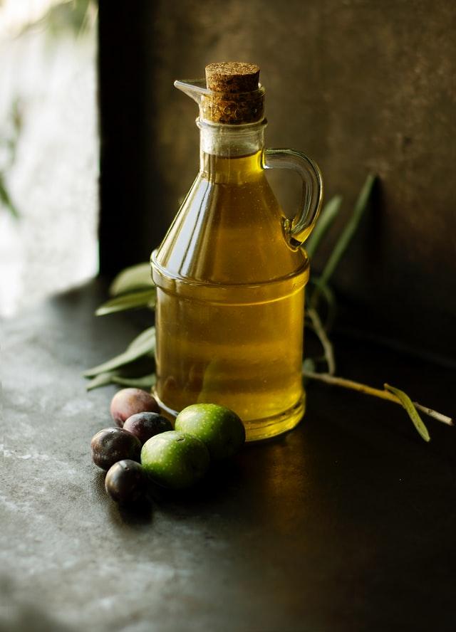 olive oil for ant bites